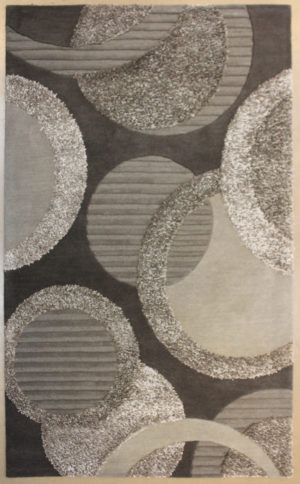 Area rug with geometric design contemporary /modern